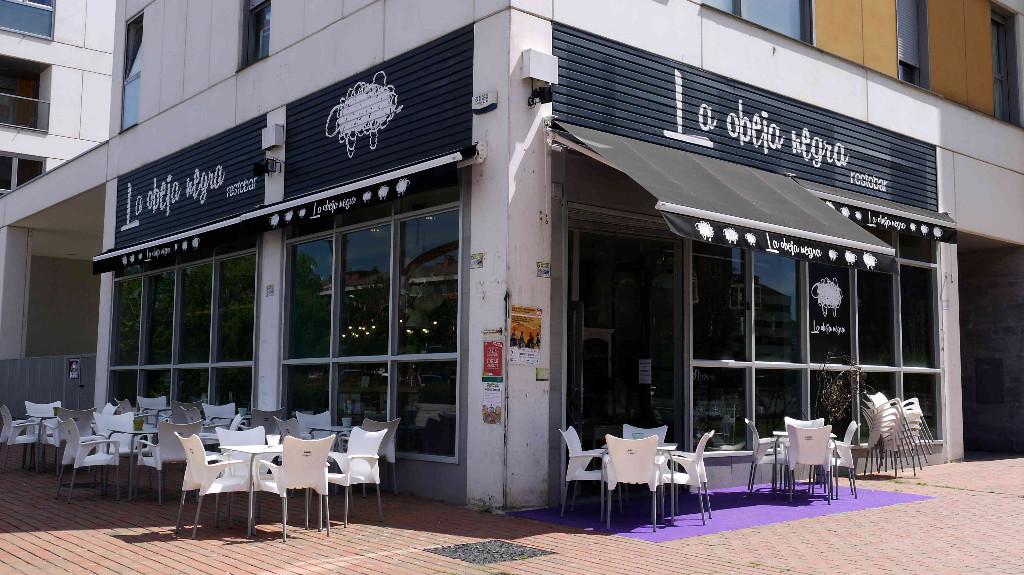 vitoriaenunclic_vitoria-gasteiz_bar_restaurante_comida_andaluza_chipirones_txipirones_ZABALGANA_jamon-asado_cafe_relax_picoteo_bocatas_raciones_comida_menu-del-dia_menu_pintxo_pote