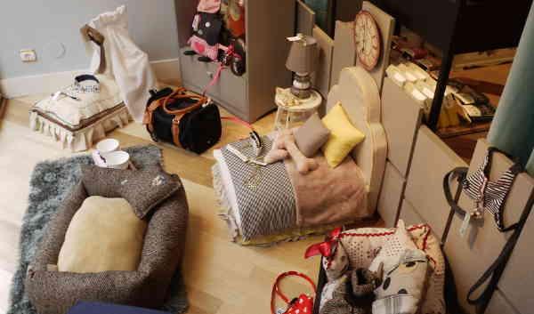 CAMA_La_petite_boutique_canina_de_perros_perruna_articulos_especializados_perro_ropa_personalizada_correas_arnes_comedero_delicatessen_perruna_champu_cunas1