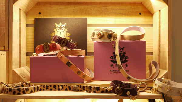 CORREAS_La_petite_boutique_canina_de_perros_perruna_articulos_especializados_perro_ropa_personalizada_arnes_comedero_delicatessen_perruna_champu_cunas