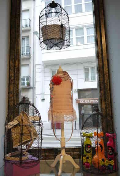 ROPA_personalizada_La_petite_boutique_canina_de_perros_perruna_articulos_especializados_perro_correas_arnes_comedero_delicatessen_perruna_champu_cunas1