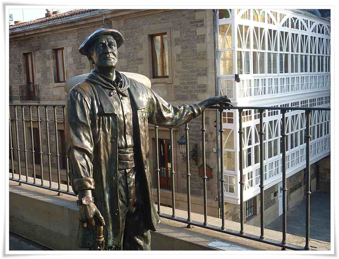 Resultado de imagen de estatua de Celedón