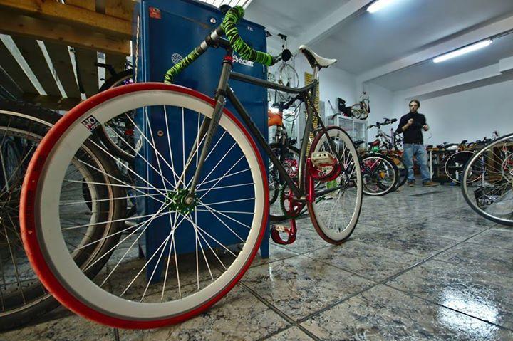 venta-bicicletas-vitoria-gasteiz-taller-de-asier-vitoria-taller-reparacion-vitoria-bicis-bicicleta-venta-piezas-bicicletas-vitoria-vitoriaenunclic-restauracion-bicicletas-renovacion