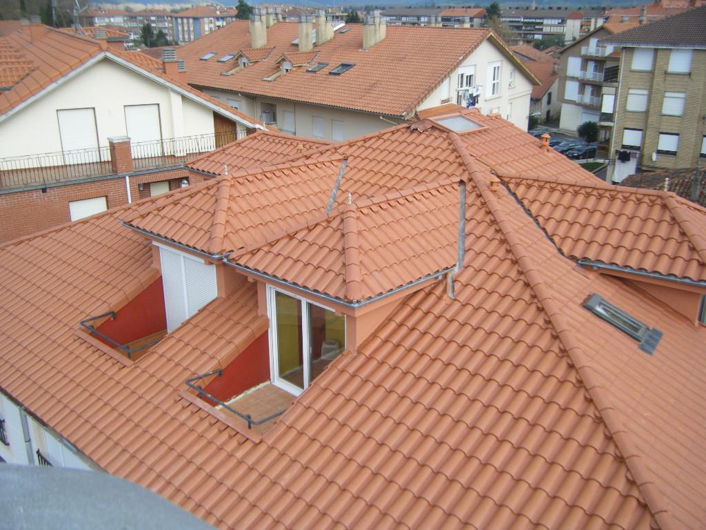 Tejados y cubiertas en vitoria rehabilitaciones gonz lez - Cubiertas de tejados ...
