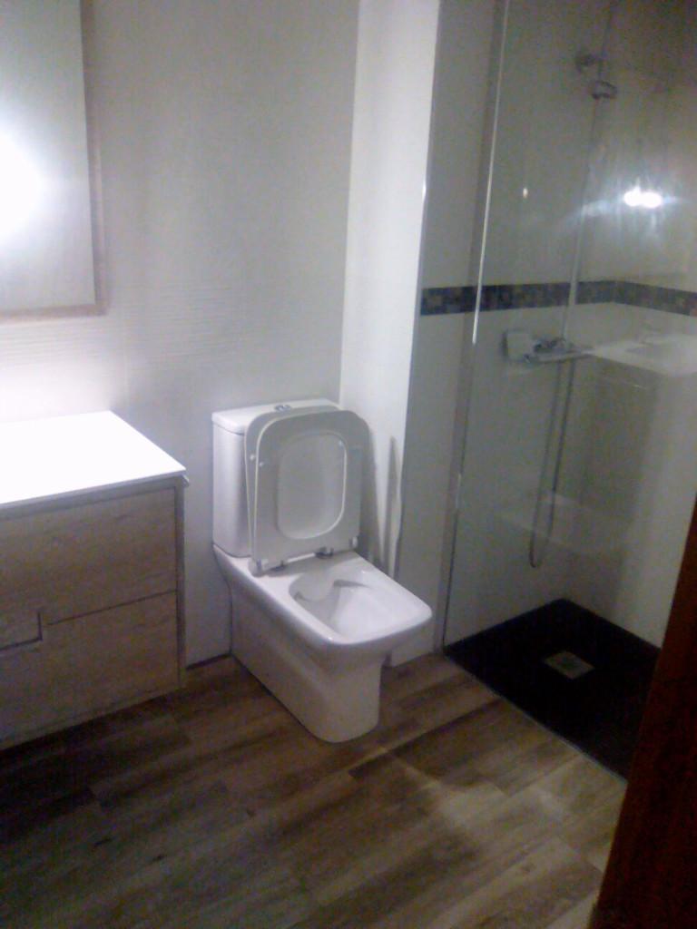 baño-reformado-barato-en-Vitoria-reformas-Miguel