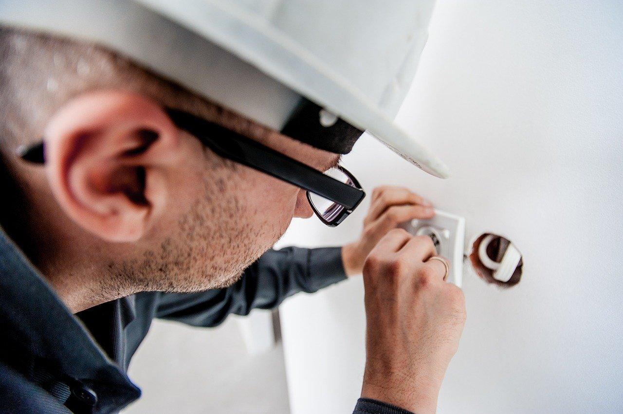 electricistas en vitoria baratos economicos instaladores electricos oficiales