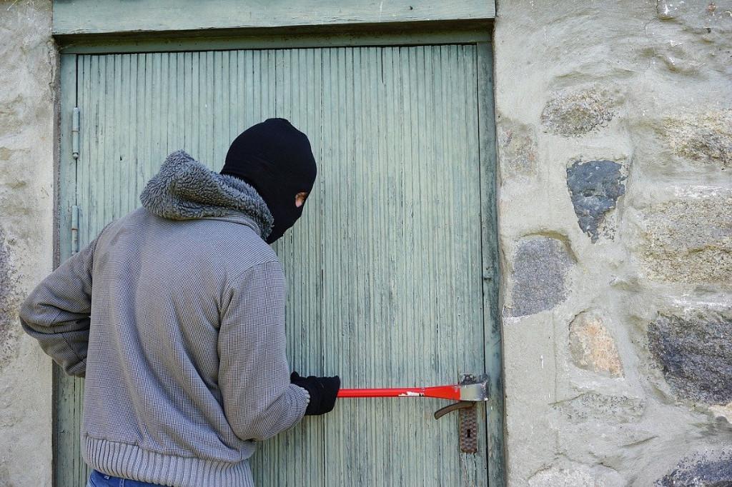 protege-tu-casa-en-vacaciones-cerrajeros-vitoria-reparar24-consejor-utiles