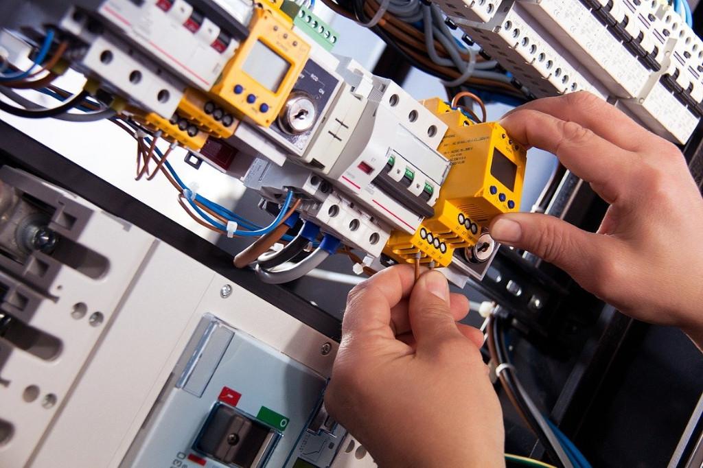 reformas-e-instalaciones-electricas-en-vitoria-electricistas-especialistas